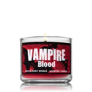Bath & Body Works Vampire Blood Qty 2 mini candles